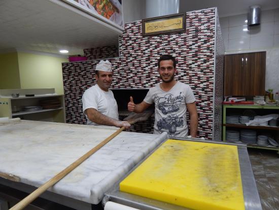 Okumus Mercan Restaurant : Chef dan anak pemilik
