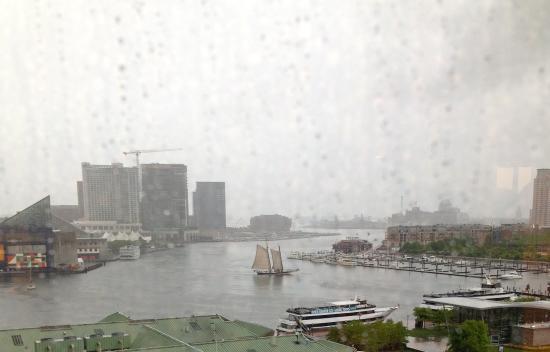 Pride of Baltimore II : Pride trimming sail in Inner Harbor