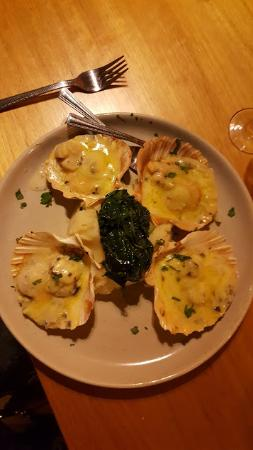 Wantirna, Australia: scallops thermidor