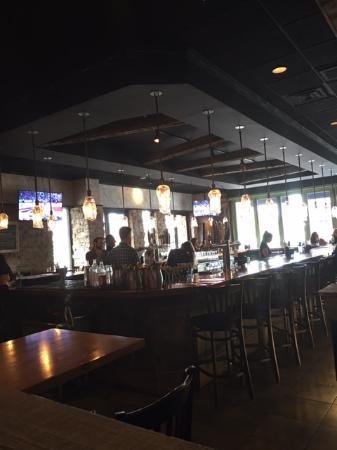 Westlake, Ohio: Burntwood Bar