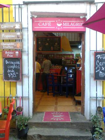 Cafe Milagros