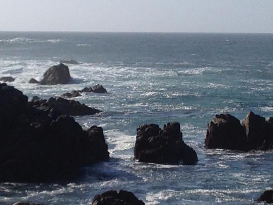 Scenic Road Walkway: Скалы из воды