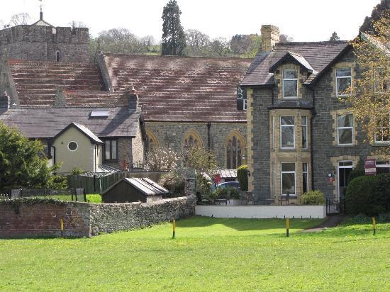 Bronwye Guest House