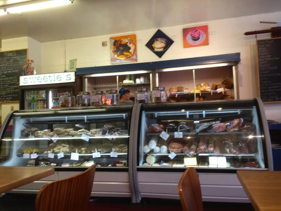 Sweetie's Sandwich Shop : Sweetie's display of delicious baked goods & breads!