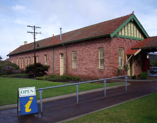 Mount Barker, Australia: Front of the building