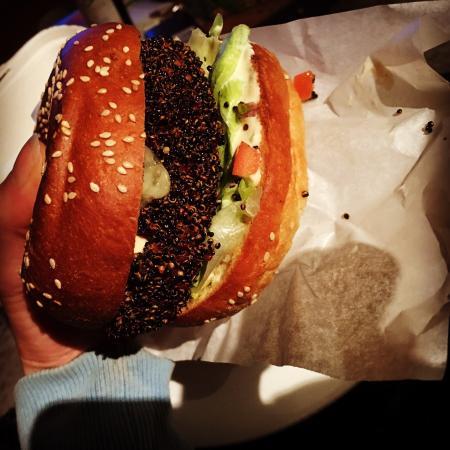 Эрроутаун, Новая Зеландия: Vege Burger! 🍔😚