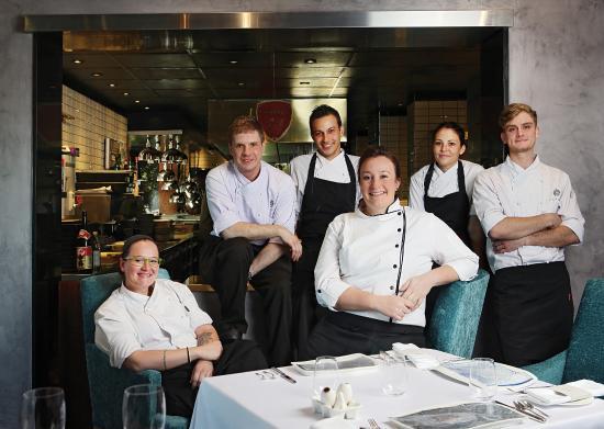 Johannesborg, Sydafrika: Head Chef Candice Philip and her team