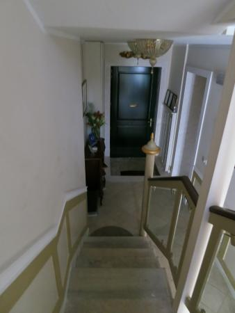 Corte dei Santi: 玄関から2階の部屋へ