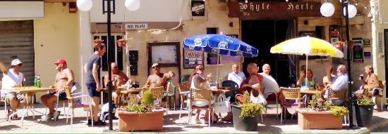 Bugibba, Malta: whyte harte bar