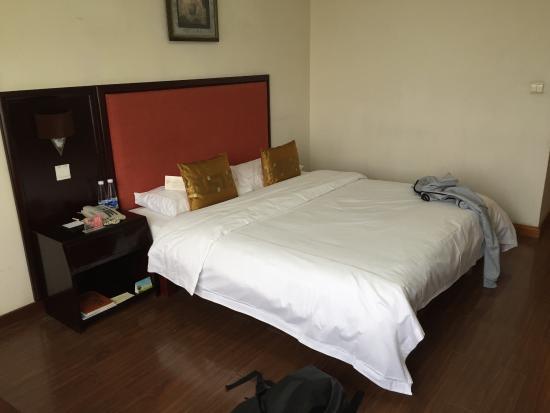 鸢飛大酒店