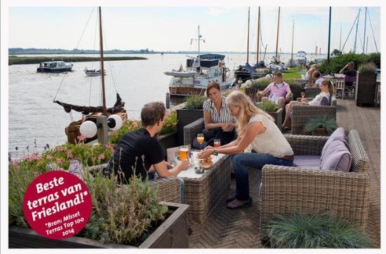 Koudum, Nederländerna: Groot terras aan het water
