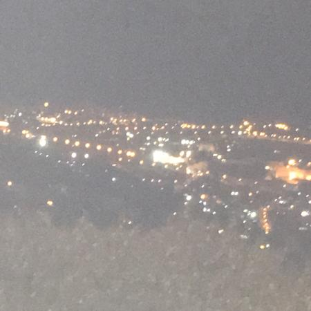 Tayelet Haas Promenade : The old city of Jerusalem at night. Photos was taken from Tayelt Has
