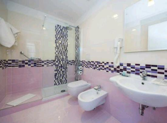 Sole Splendid Hotel : Camera standard matrimoniale- tripla vista mare