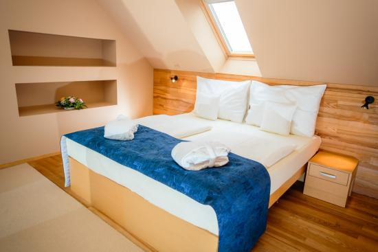Park Holiday Congress & Wellness Hotel: Attic Suite - bed room