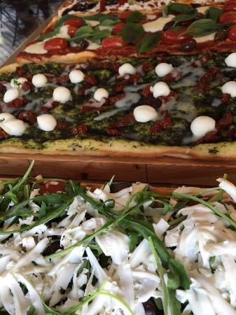 Bezzo Pizza