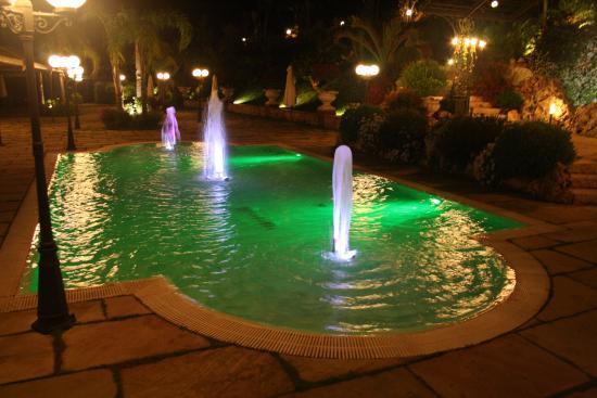 Villa Mont  Valery: piscina
