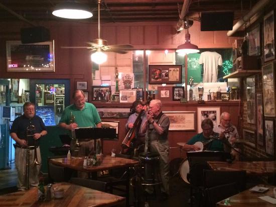 Hal & Mal's Restraurant : Excelente banda de Jazz de New Orleans