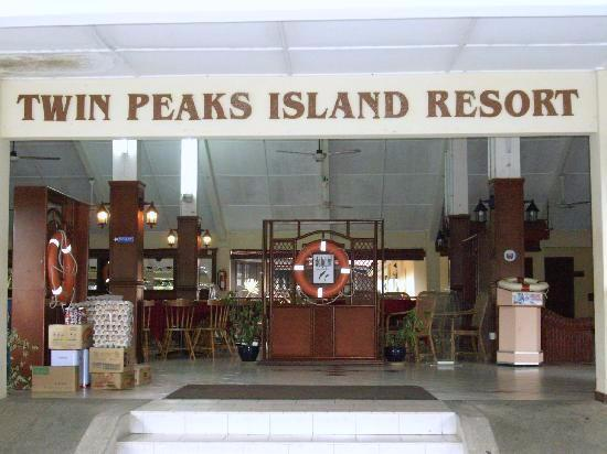Twin Peaks Island Resort Photo