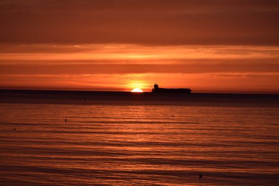 morning sunrise across dublin bay picture of dun laoghaire pier