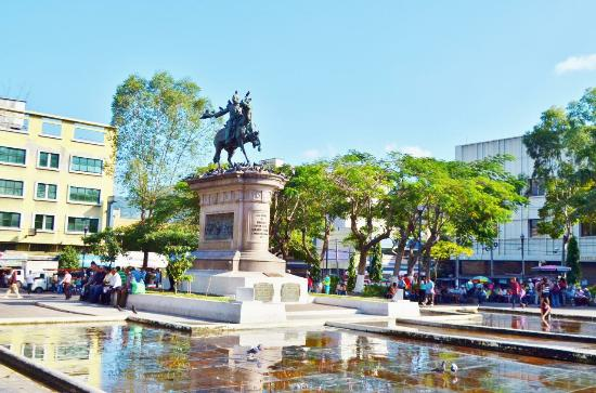 Plaza Barrios