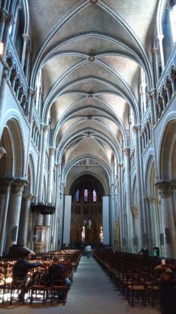 คาเธดราลเดอเลาซานน์: Cathedral