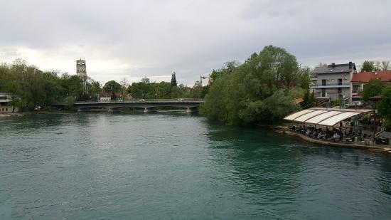 River Una Restaurant