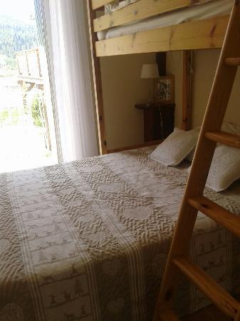 St Vincent les Forts, Frankrike: Superbe Auberge proprios super sympa ,appartement superbe  cuisine équipée  lit confortable je r
