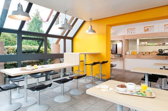 Hotel F1 Nice Villeneuve Loubet: SALLE PETIT DEJEUNER