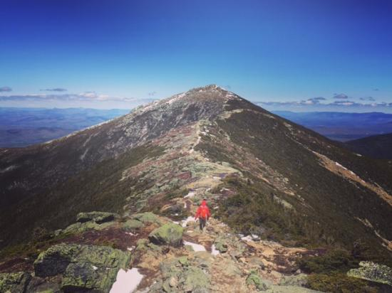 Mt Liberty Lodging: Less than 10 minutes away from Franconia Ridge hike.