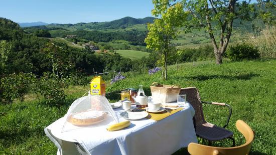 Pellegrino Parmense, Ιταλία: colazione con vista!