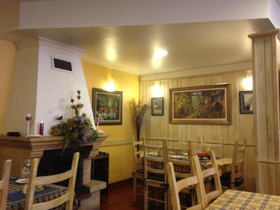 Prazeres, Portugalia: cozy place / espaço muito acolhedor