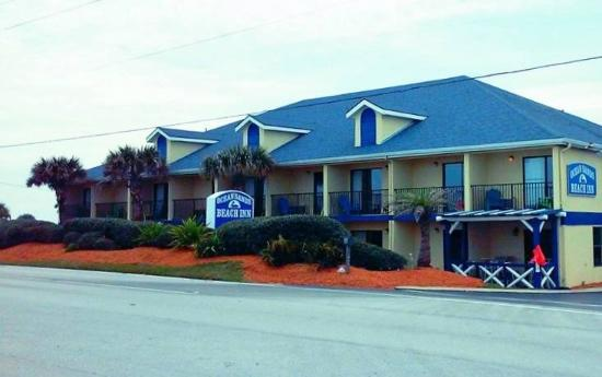 Ocean Sands Beach Inn: Road Front