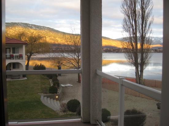 ساندي بيتش موتل: View from our room.