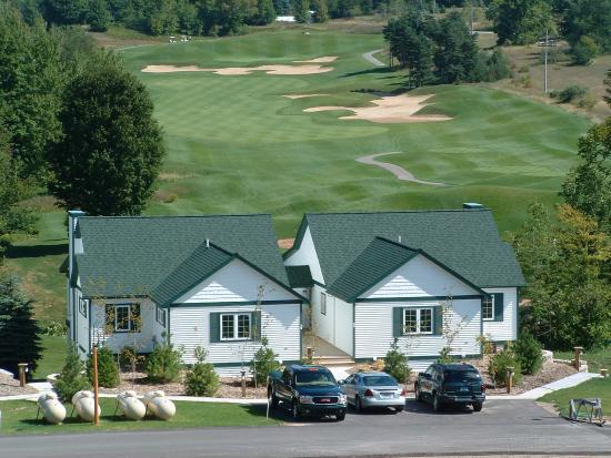 Bellaire, MI: Chief Golf Cottage