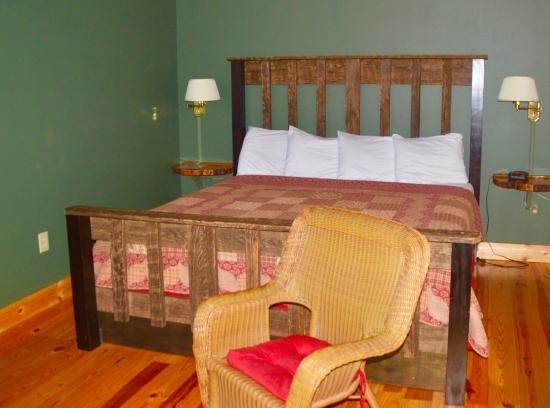 The Lodge At Tellico: Bedroom