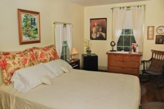 Langdon House Bed and Breakfast: Lambe room
