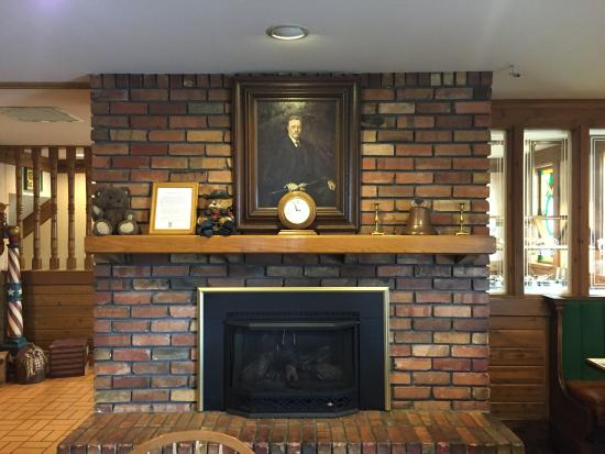 Roosevelt, UT: The Bull Moose above the mantle :)