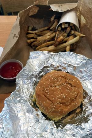 Five Guys : Little Burger & Little Fries