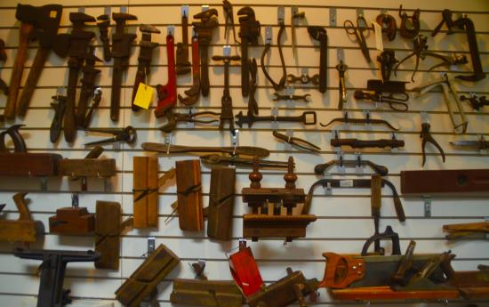 Robbinsville, Carolina del Norte: Tools in the Charles Hall Museum