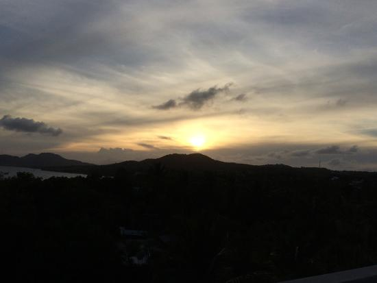 Acacia Guesthouse : Sunset from roof deck
