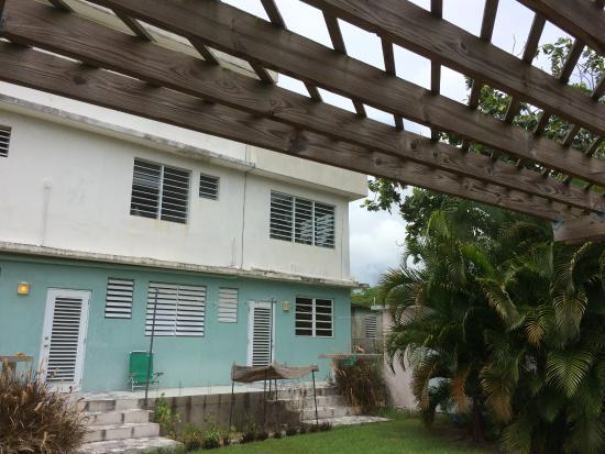 Acacia Guesthouse : Rear view of garden apartment