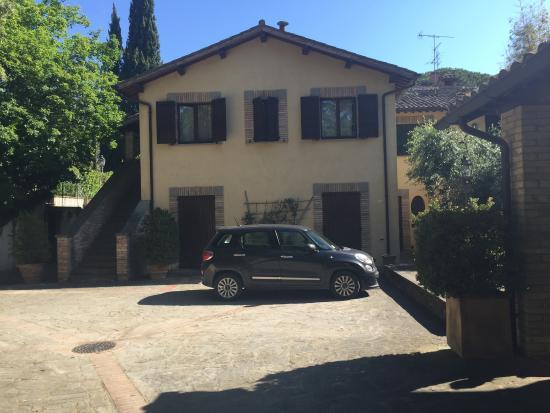 Montecorneo Country House : vista esterna