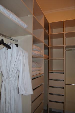 Torokbalint, Hungria: Wardrobe