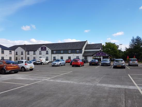 Premier Inn Stirling South (M9, J9) Hotel: Parking