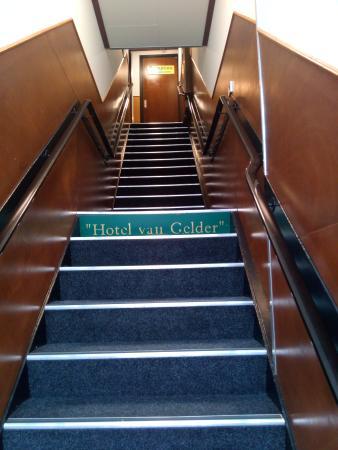 Van Gelder Hotel: The stairs from the street