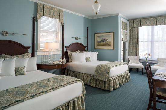 Saratoga Arms: Double Bed Room