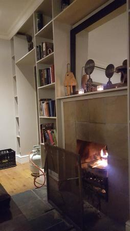 Durbanville, Южная Африка: On a cold eve nothing like a fire for being cozy