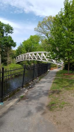 Concord, MA: Bridge over the brook