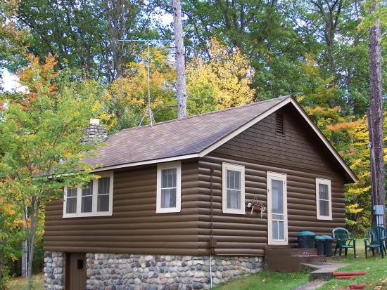 Brekke's Fireside Resort: Cottage 9