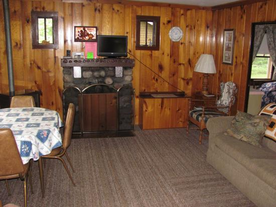 Brekke's Fireside Resort: cottage 7